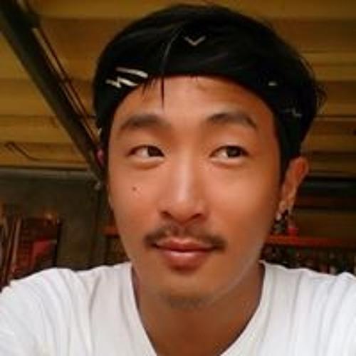 Napatr Thcnoodle's avatar