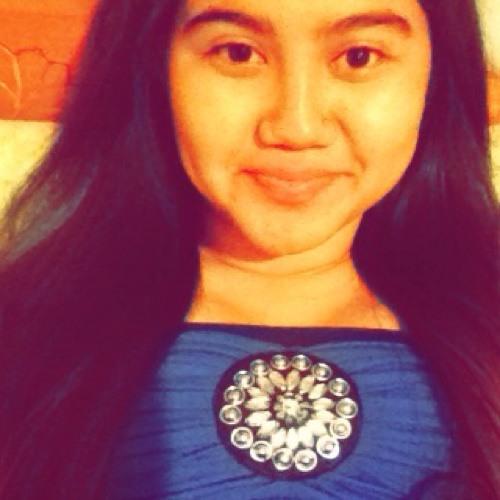 Erica Giron Santiago's avatar