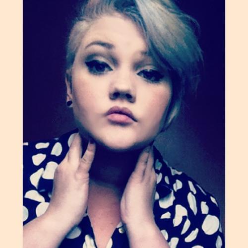 Carie Molinaro's avatar