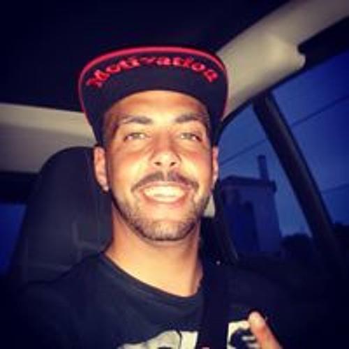 Carlitos Almeida's avatar