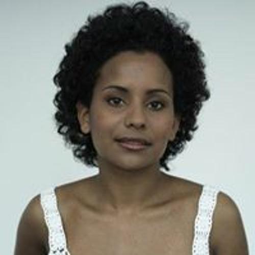 Natalia Deyalsingh's avatar