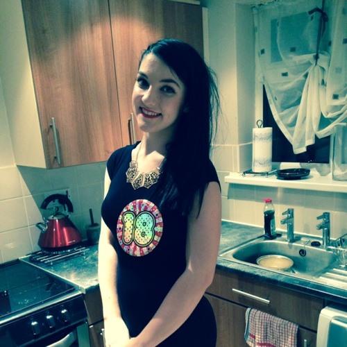 Chloe R J Golding's avatar