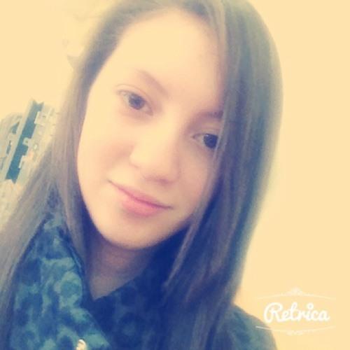 Vicky Mena's avatar