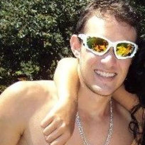 Luis Eduardo Saturi's avatar