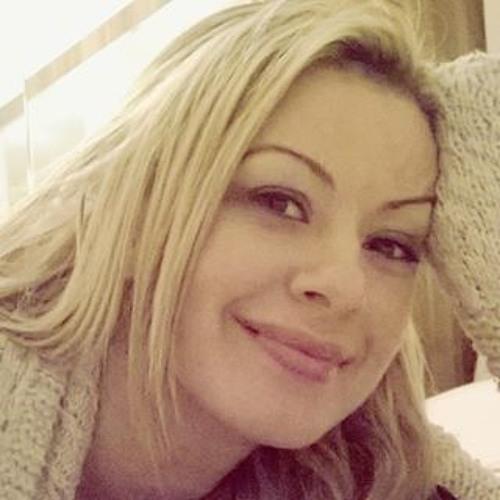 Gül Ay 6's avatar