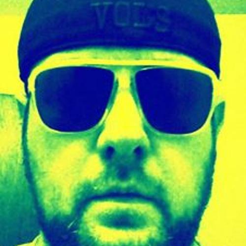 Robert Tomlinson 4's avatar