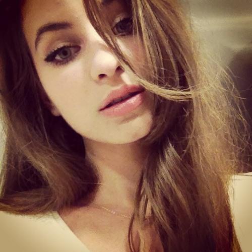 Andreea Precup's avatar