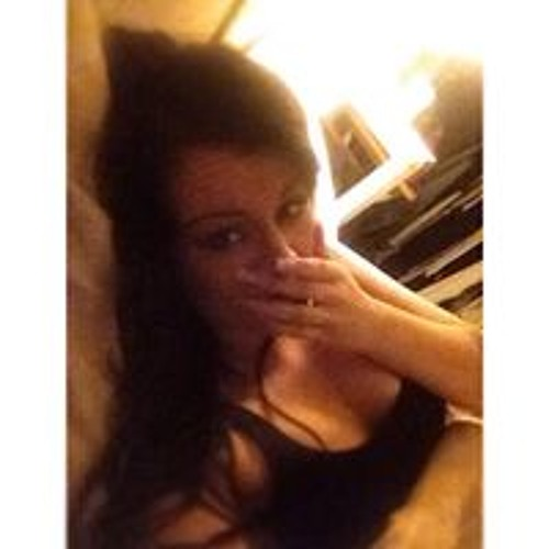 Emily Bates 10's avatar