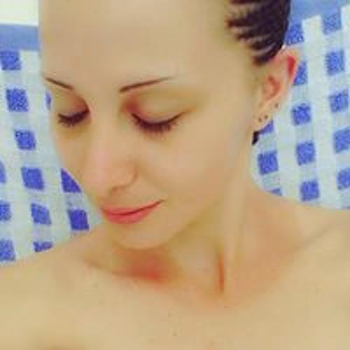 Sandy Cherry's avatar