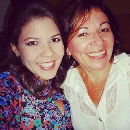 Cici Domingos's avatar
