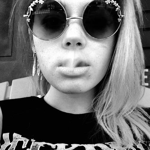 Amber Rainear's avatar
