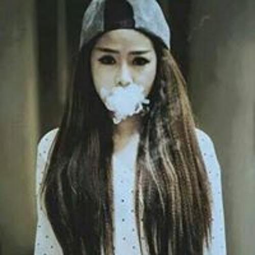 Yen Phi Phi's avatar