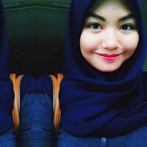 Amira Fazleena's avatar