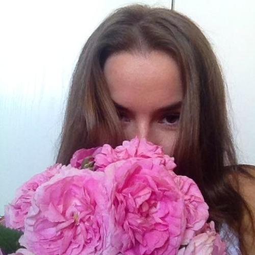 Bicskó Claudia's avatar