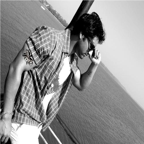Yaver Mushtaq's avatar