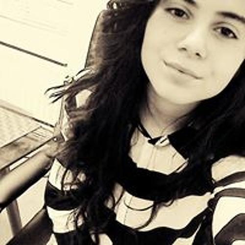 Dilara N's avatar