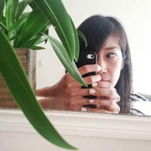 Andria Lo's avatar