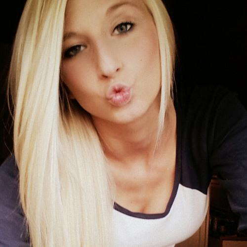 leonella_173's avatar