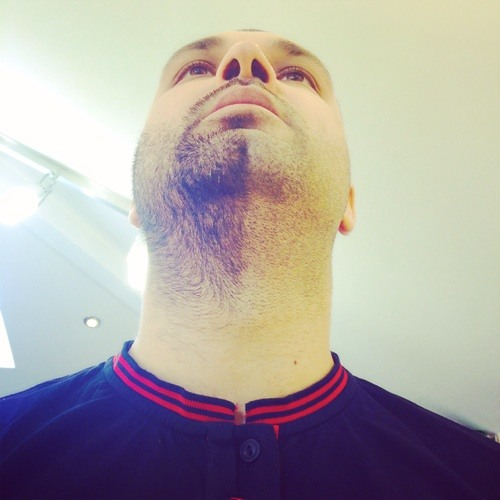 Alexander Qotro's avatar