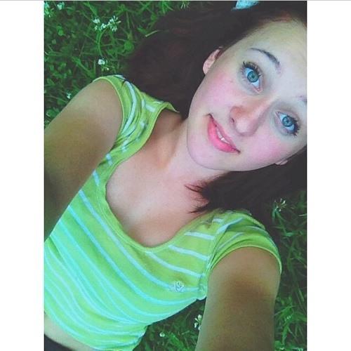 Emilyrose Lowe's avatar