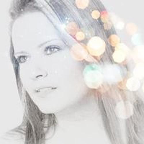 Ela Sophia's avatar