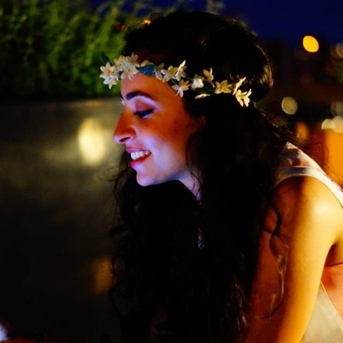 Nayla G Attar's avatar