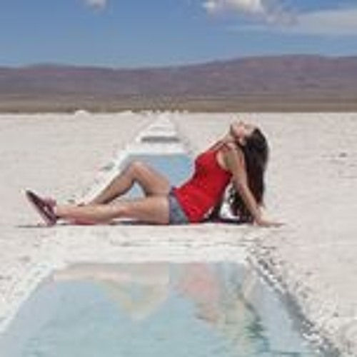 Leah Perloff's avatar