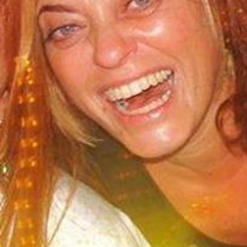 Veronica Rongo's avatar