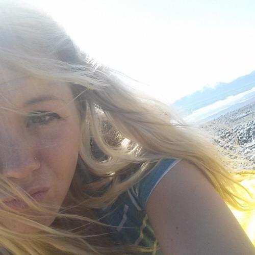 amada whitesel's avatar