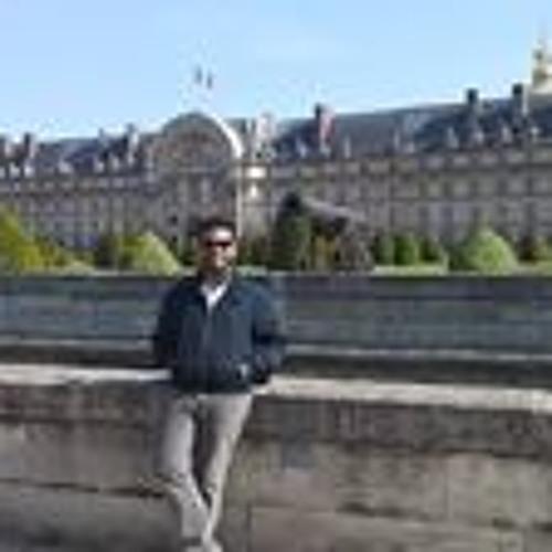 Lucas Torales's avatar