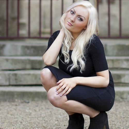 anna falzone's avatar
