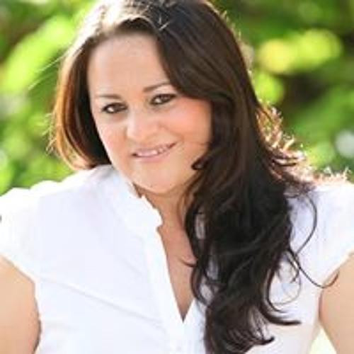 Luciana Rosa 9's avatar