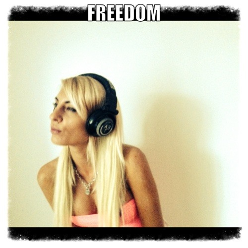 Ramona Tecan( freedom)'s avatar