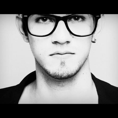 Lucas Moro_'s avatar
