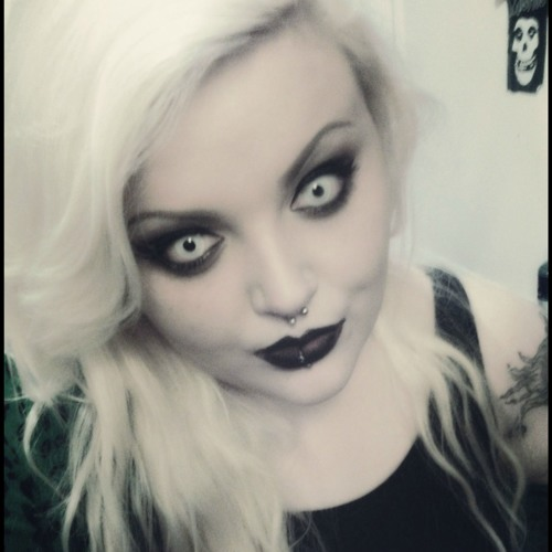 ZombiePussyLiquor's avatar