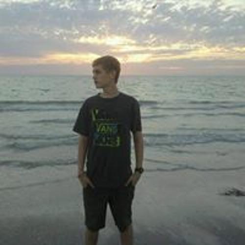 Tyler Pinder 3's avatar