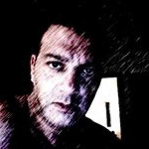 Yaron Benit's avatar