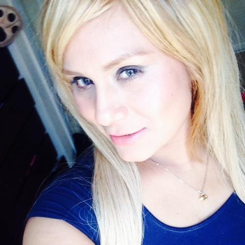 Rosy :-)'s avatar