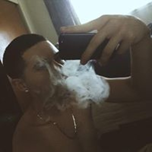Ricky Ramos 20's avatar