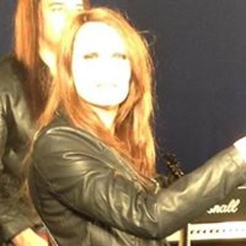 Mia Manson's avatar
