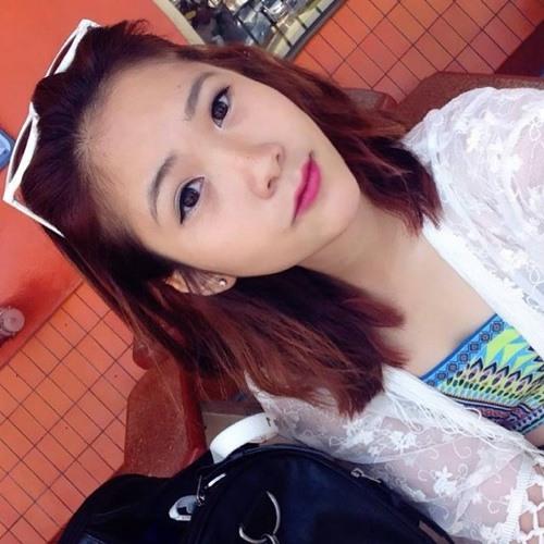 Annie Wuyen's avatar