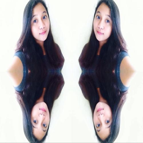 Nina Madinah's avatar