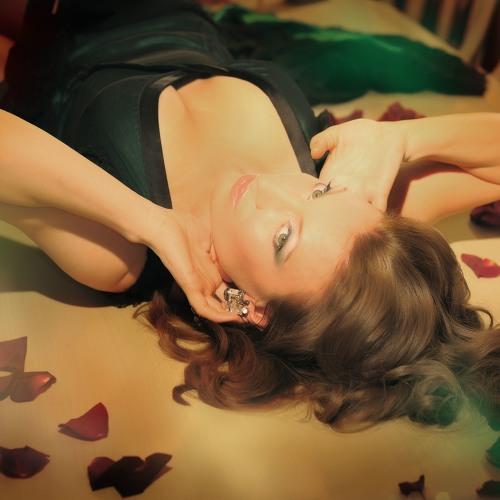 Alina Deliss's avatar