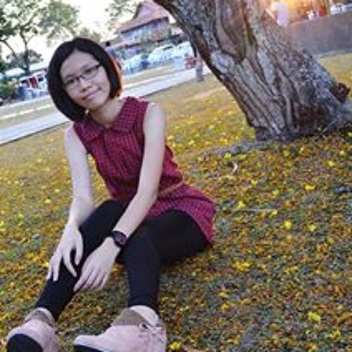 Esther Tang 4's avatar