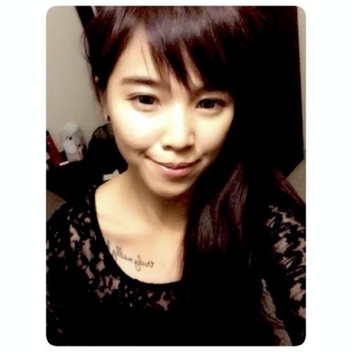 Joan Teo's avatar