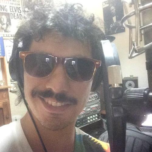 Max Vivar C.'s avatar