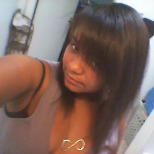 yasmine5868's avatar