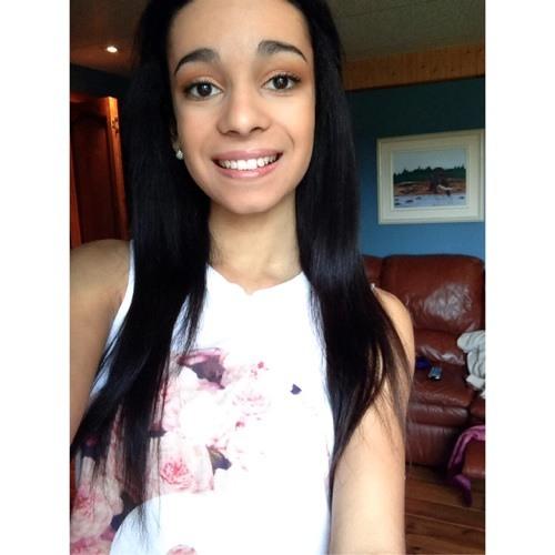 Yasmine Dieng's avatar