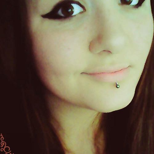 Viktoria Follow You's avatar