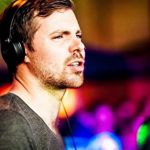 Adam Saville's avatar